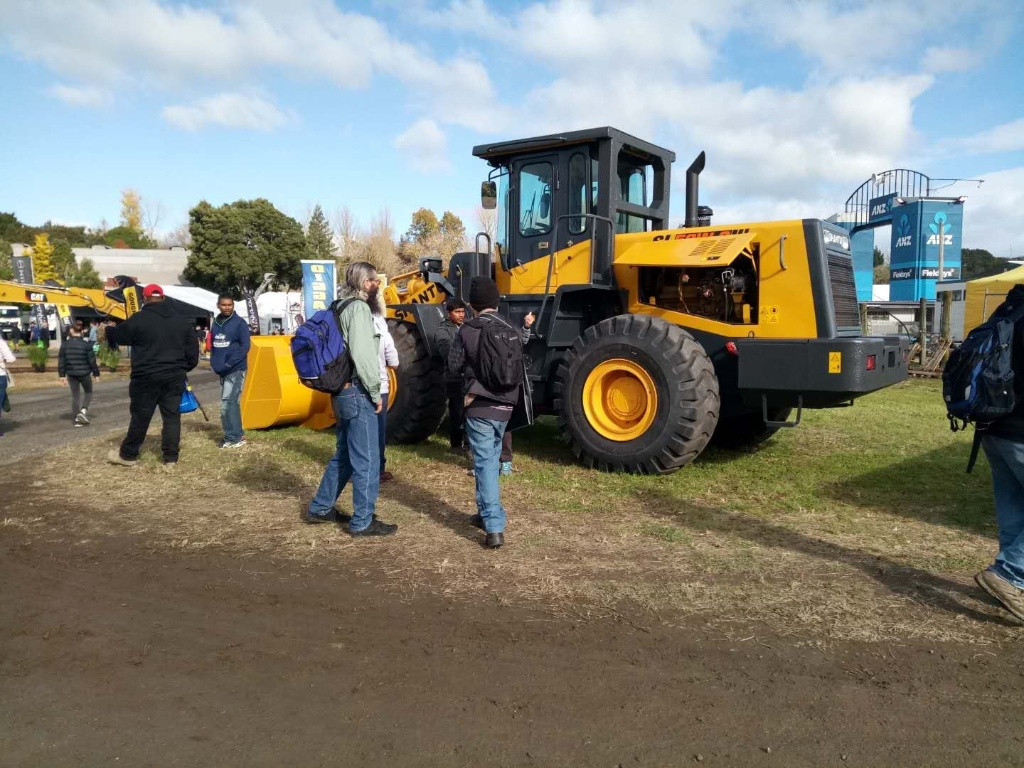 SHANTUI Dazzles FIELDAYS with Overwhelming Superiority